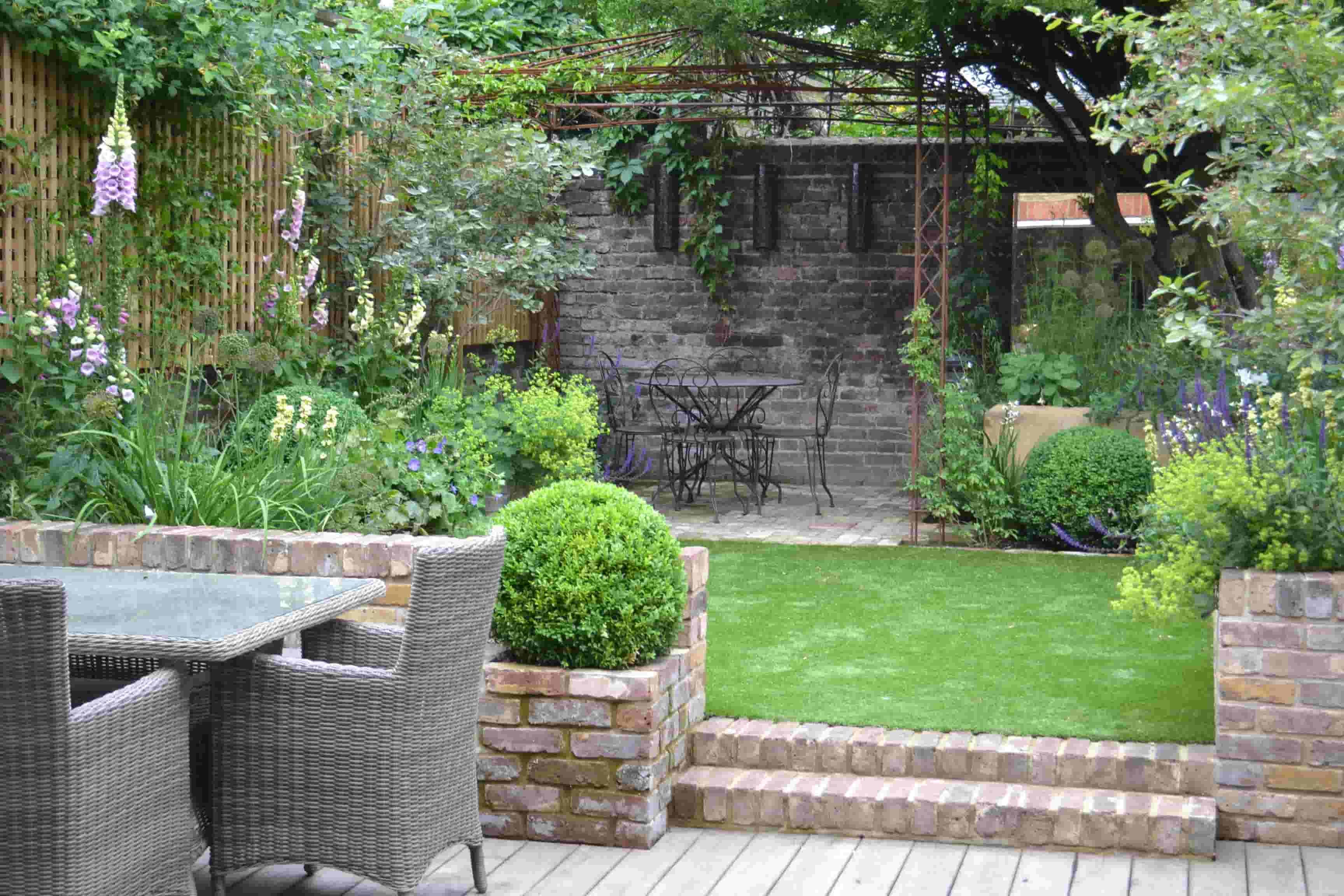 Article of our garden in Modern Gardens Magazine
